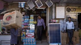 indian-solar-power-prices-hit-record-low-undercutting-fossil-fuels