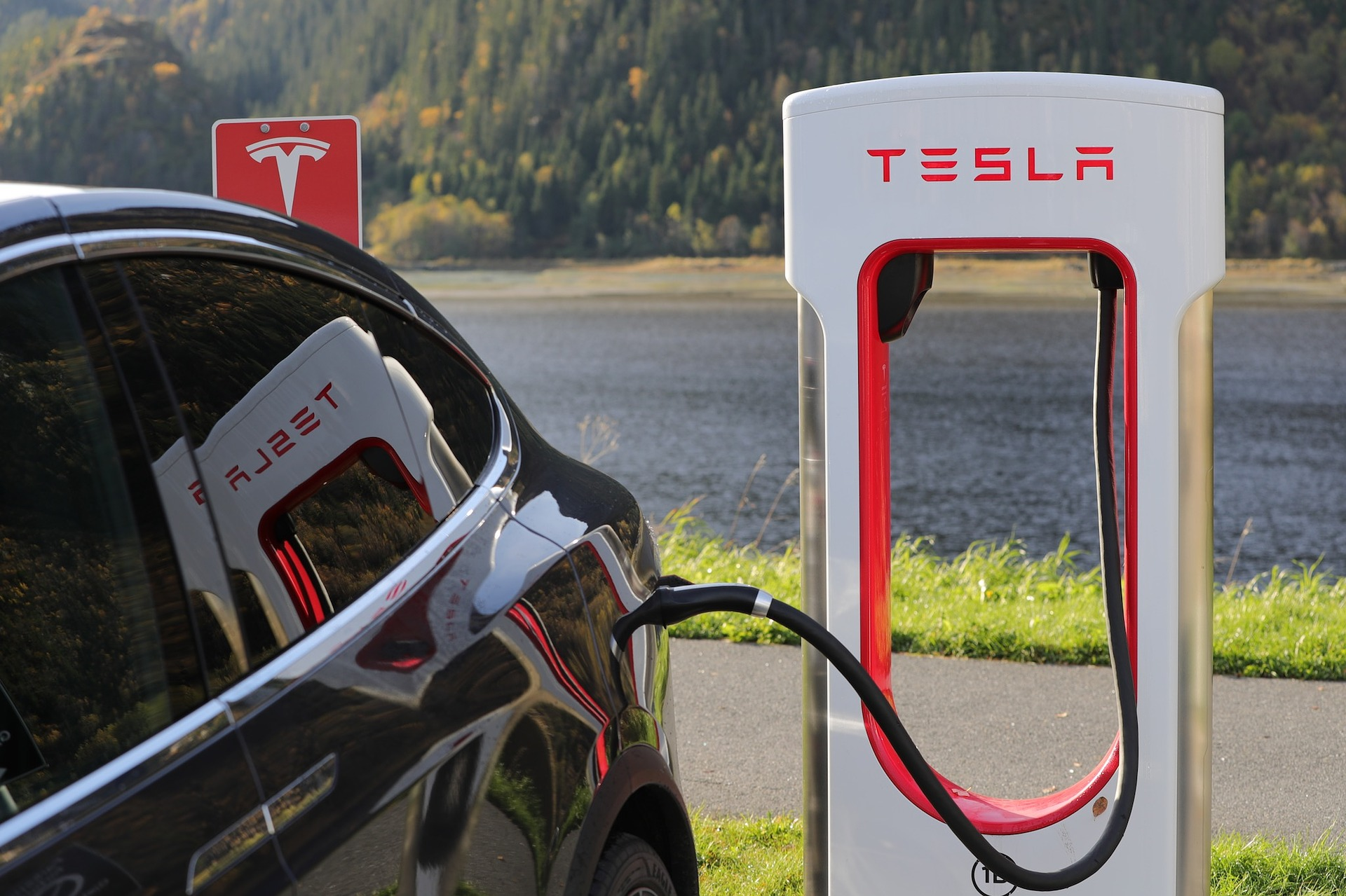 Tesla's new V3 Superchargers power a Model 3 at rates up to 1,000